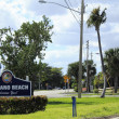 Welcome Sign to Pompano Beach, Florida — Stock Photo