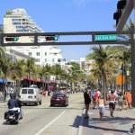 Busy A1A at Las Olas Boulevard — Stock Photo