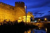крепость ночью — Стоковое фото