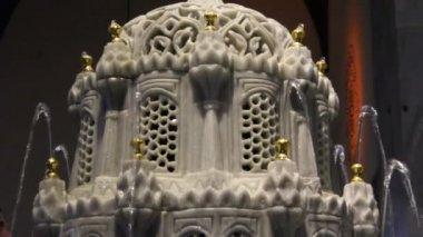 Fontana in marmo — Video Stock