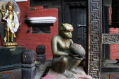 Bronze monkey — Stock Photo