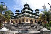 Fountain near mosque — Stock Photo