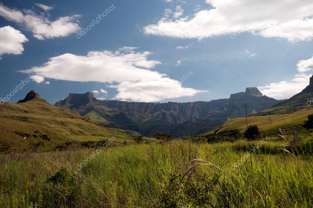 Drakensberg mountains in South Africa — Stock Photo #12590969