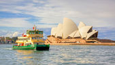 Sydney Opera House and Ferry — Stock Photo