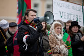 Speaker chanting slogans on the nationalist rally in Vilnius — Stock Photo