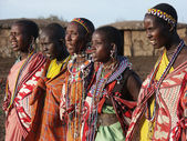 Masai Mara, Kenya - January 6: Maasai women in traditional cloth — Foto Stock
