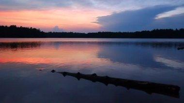 буффало закат озера висконсин — Стоковое видео