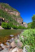 Colorado river im glenwood canyon — Stockfoto