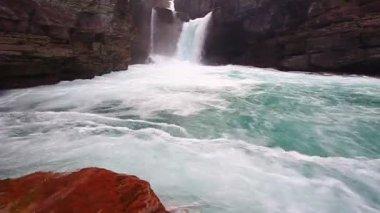 Saint Mary Falls Montana — Stock Video