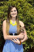 Beautiful Girl with Chihuahua — Stock Photo