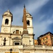 Spanish Steps and church of Trinita dei Monti in Rome, Italy — Stock Photo