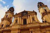 Theatijnen kerk van st. cajetan in münchen, duitsland — Stockfoto