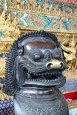 Socha v luxusním paláci, thajsko — Stock fotografie