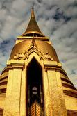 Tajski stupa w grand palace, bangkok — Zdjęcie stockowe