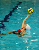 Fille de waterpolo — Photo