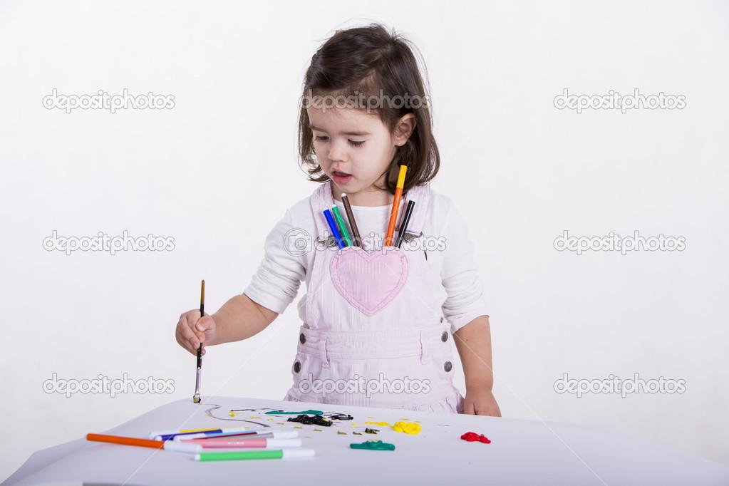 绘画的小女孩 — 照片作者