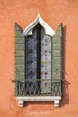 Fenster aus venedig, italien — Stockfoto