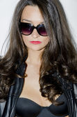 Young woman with sunglasses — Foto de Stock