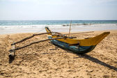 Traditional Sri Lankan fishing boat — Stock Photo