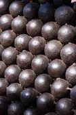 Old cannonballs — Stockfoto