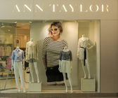 Ann Taylor store — Stock Photo