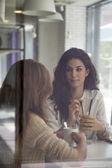 женщины, тратить время — Стоковое фото