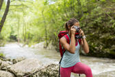 Young woman hiking — Stock Photo