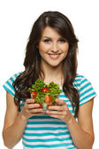 Woman holding healthy salad — Stockfoto
