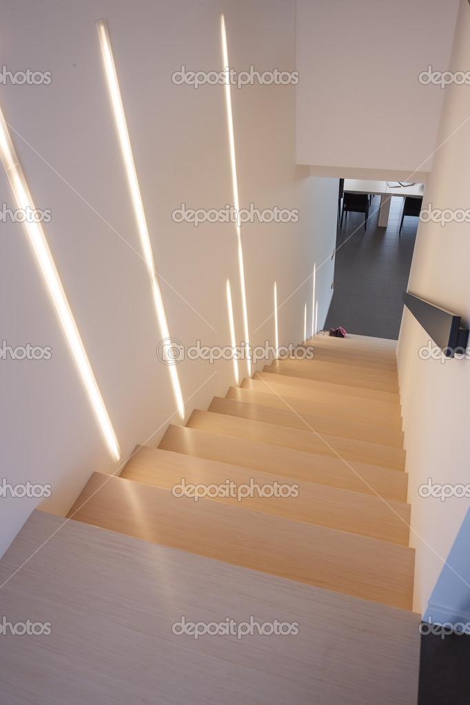 Escaleras de madera interiores foto de stock 35432983 - Escaleras de madera para interior ...