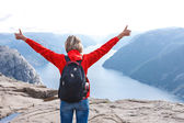 Woman hiker on Pulpit Rock / Preikestolen, Norway — Stock Photo