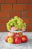 Piatto di frutta festa — Foto Stock