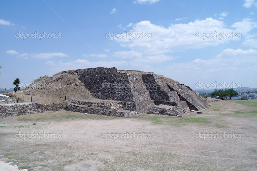 Step Pyramid in Teotihuacan, Mexico — Stock Photo #18513577