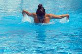 Ganska kvinnliga simmare — Stockfoto
