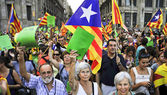 Participants in the rally for the independence of Catalonia in B — Stock Photo