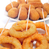 Spanish calamares a la romana, squid rings breaded and fried — Stock Photo