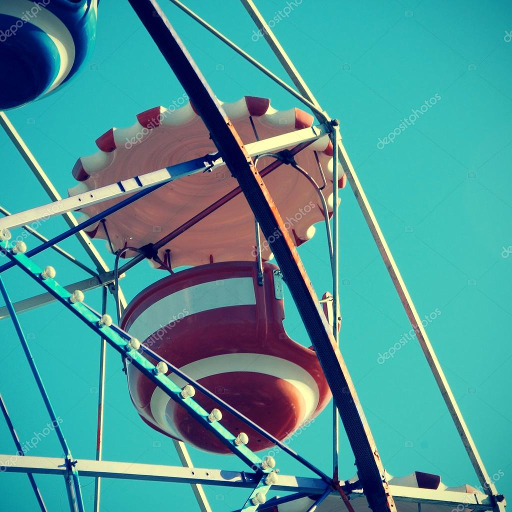 Cutout of a vintage ferris wheel over the blue sky  Stock Photo #19626593
