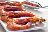Spanish shrimps with garlic and parsley — Stock Photo