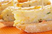 Spanish pincho de tortilla, spanish omelete served on bread — Stock Photo