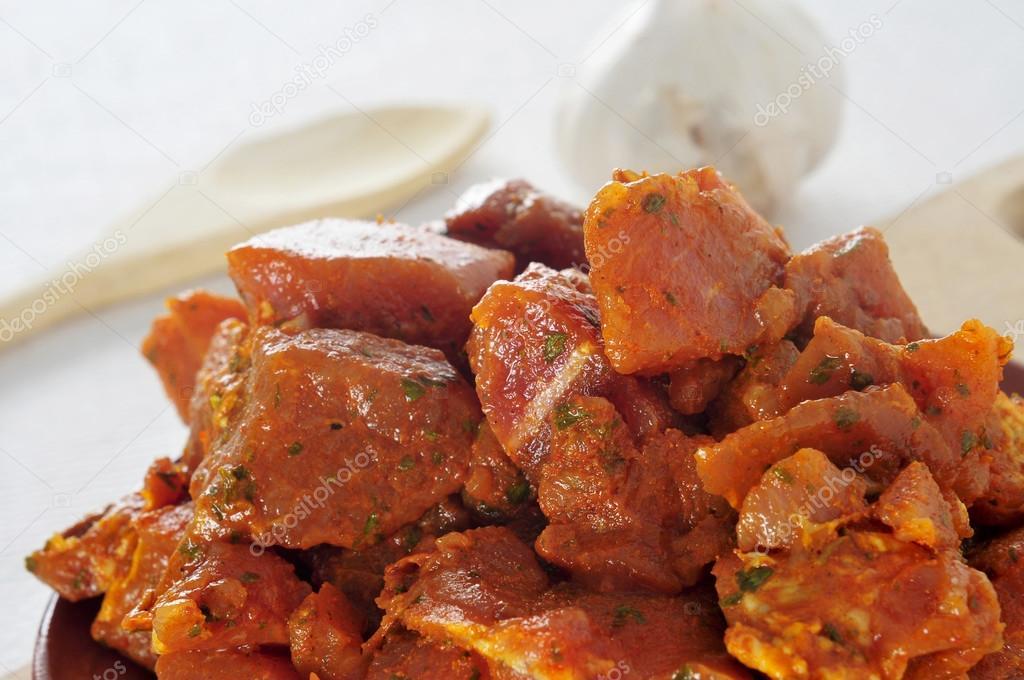 Español crudo pinchos carne, carne - 88.2KB