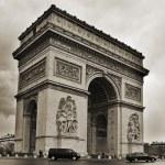 Arc de Triomphe in Paris, France — Stock Photo #30962969