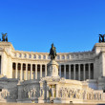 Monumento Nazionale a Vittorio Emanuele II in Rome, Italy — Stock Photo #39912839
