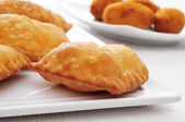 Spanish empanadillas, small meat or tuna pies — Stock Photo