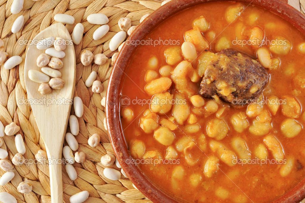 Potaje de judias y garbanzos une l gumineuse espagnole - Potaje de garbanzos y judias ...