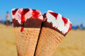 Ice creams on the beach — Stock Photo