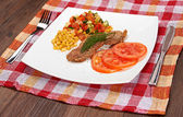 Meat and vegetables — Stockfoto