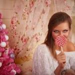 Mädchen mit Süßigkeiten — Stockfoto
