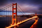 Nachtscène met golden gate bridge — Stockfoto