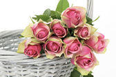 Roses in a Basket — Stockfoto