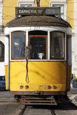 Typische gele tram — Stockfoto