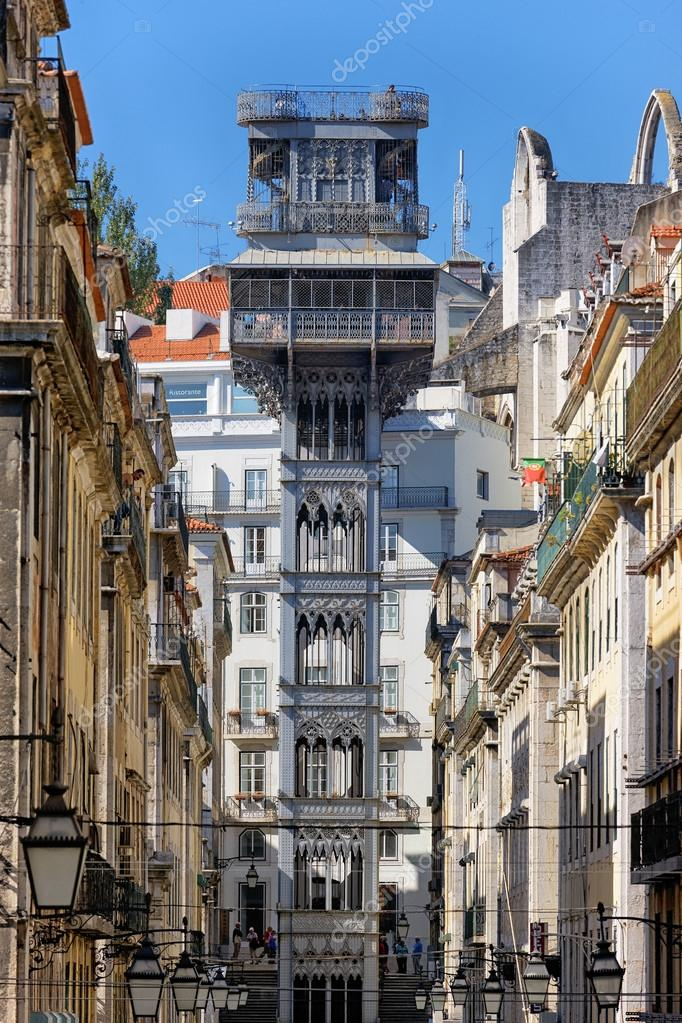Famous santa justa elevator in Lisbon  — Stock Photo #18648267